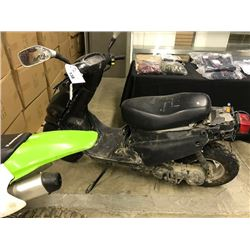 BLACK NO NAME SCOOTER (PARTS)