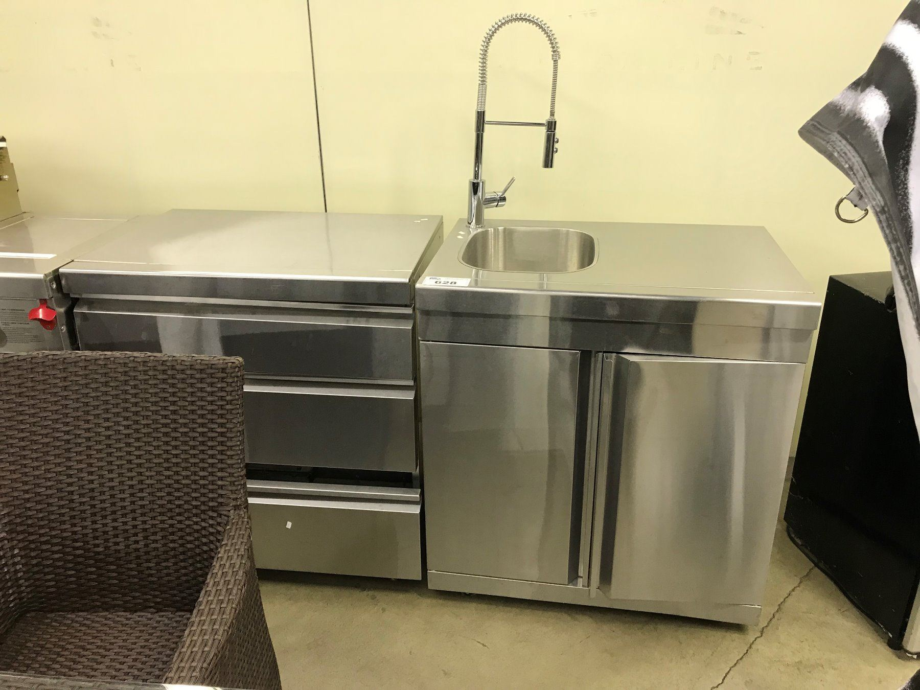 Peachy Lot Of Stainless Steel Commercial Kitchen Appliances Inc Sink Best Image Libraries Thycampuscom