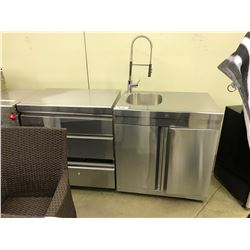 LOT OF STAINLESS STEEL COMMERCIAL KITCHEN APPLIANCES INC. SINK, GRILL, AND MORE
