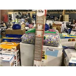 LOT OF PET PRODUCTS
