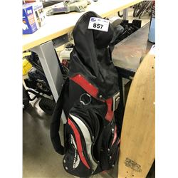 SET OF GOLF CLUBS WITH BAG