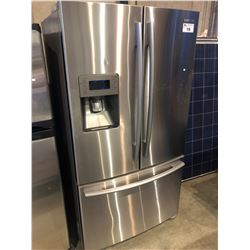STAINLESS STEEL SAMSUNG FRENCH DOOR REFRIGERATOR WITH ICE/WATER