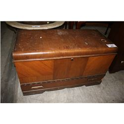 WOODEN TRUNK WITH DRAWER