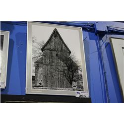 FRAMED PRINT BY HEIDELBERG - THE OLD BARN