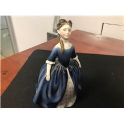 ROYAL DOULTON FIGURINE (DEBBIE HN 2385 / 1968 ISSUE)