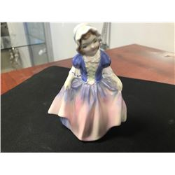 ROYAL DOULTON FIGURINE (DINKY DO HN 1678 / 1935 ISSUE)