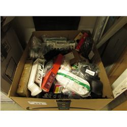 BOX OF ASSORTED HOUSEHOLD ITEMS, LINEN, PET BED, ETC