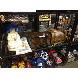 SHELF LOT OF ASSORTED VINTAGE RADIOS & COLLECTABLES