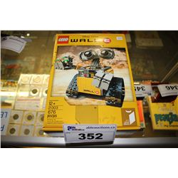 DISNEY PIXAR'S LEGO WALL-E (676 PCS)