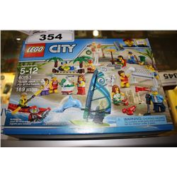 LEGO CITY - PEOPLE PACK FUN AT THE BEACH LEGO SET (169 PCS)