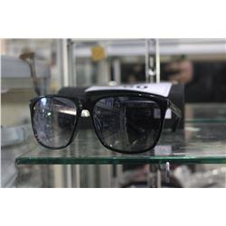 PAIR OF MARC BY MARC JACOBS SUNGLASSES