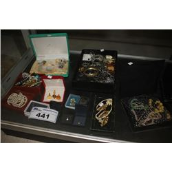 LARGE COLLECTION OF ASSORTED JEWELLERY AND BOXES
