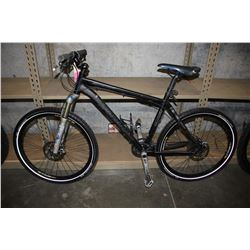 BLACK SPECIALIZED STUMPJUMPER MARATHON 27-SPEED MOUNTAIN BIKE WITH M4 ALLOY FRAME AND DISC BRAKES
