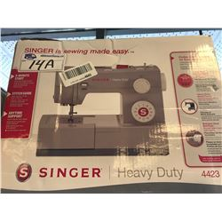 SINGER HEAVY DUTY SEWING MACHINE (4423)