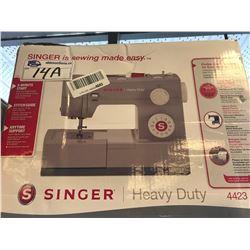 SINGER HEAVY DUTY SEWING MACHINE (4423)