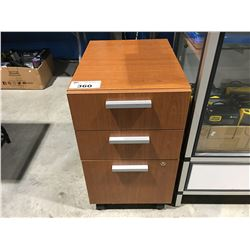 3 DRAWER WOOD GRAIN FINISH ROLLING OFFICE CABINET WITH KEY