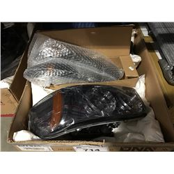 PAIR OF REPLACEMENT AUTOMOBILE HEAD LIGHTS