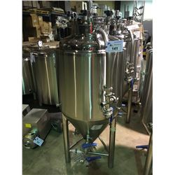 2017 DAEYOO 200L STAINLESS STEEL DOME / CONE FERMENTATION TANK