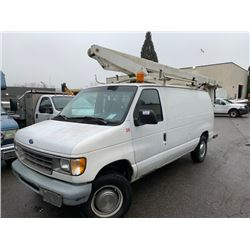 1996 FORD E350 VAN WITH VERSALIFT BUCKET VIN 1FTJE34G7THA49670