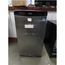 DANBY STAINLESS STEEL MINI FRIDGE MODEL DAR033A1BSLDBO (FREIGHT DAMAGE)