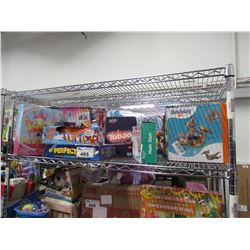 ASSORTMENT OF GAMES & DOLLS