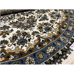 "MACHINE MADE - WOOL 6'7""X6'7"" ROUND AREA RUG  (RETAIL VALUE $600.00)"