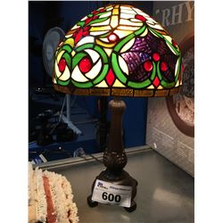LEADED STAIN GLASS TIFFANY STYLE TABLE LAMP