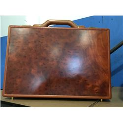 WOODEN ATTACHE/BRIEFCASE
