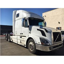 2014 VOLVO D13, WHITE, TRUCK TRACTOR, DIESEL, AUTOMATIC, VIN#4V4NC9EH6EN153058, 629,511 MILES,