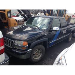 2001 GMC SIERRA, CREW CAB, WHITE, GAS, AUTOMATIC, VIN#2GTEK19T311320468, 452,229KMS,