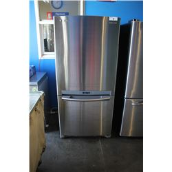 STAINLESS STEEL SAMSUNG REFRIGERATOR WITH BOTTOM FREEZER