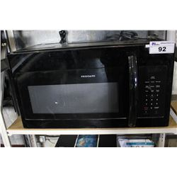 BLACK FRIGIDAIRE MICROWAVE OVEN