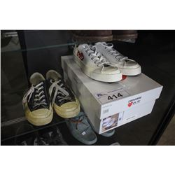 2 PAIRS OF CONVERSE PLAY SNEAKERS - SIZE 6