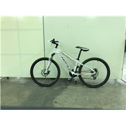 WHITE NORCO STORM FRONT SUSPENSION 21 SPEED MOUNTAIN BIKE