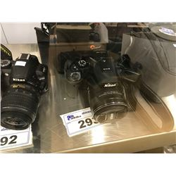 NIKON COOL PIX P900 WITH BAG AND LENS