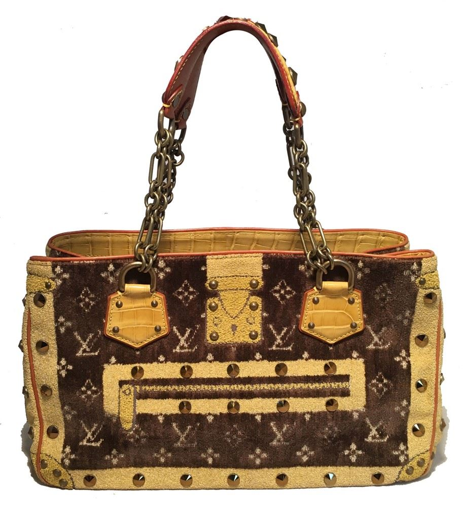 e5978b6e40e7 Image 1   Louis Vuitton Limited Edition Trompe L oeil Le Fabuleux Velvet  Shoulder ...