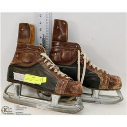 1962 NHL OFFICIALLY APPROVED HOCKEY SKATES