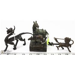 BRONZE CHINESE STAMPSET WITH 2 CAST FIGURES