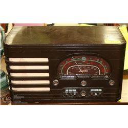 ESTATE ROGERS  MAJESTIC STANDARD BROADCAST RADIO