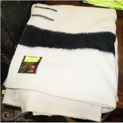 HUDSON BAY CO FOUR POINT TRAPPERS BLANKET