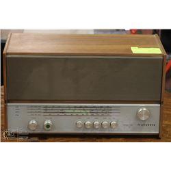VINTAGE TELEFUNKEN LARGO 105 RADIO