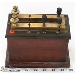 ANTIQUE ELECTRICAL MEASURING DEVICE