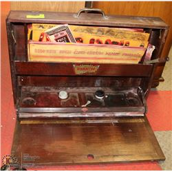 1936 SIGNWRITER KIT IN A WOODEN CASE