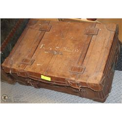 LARGE ANTIQUE ALL LEATHER LUGGAGE TRUNK.