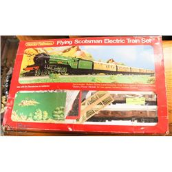 VINTAGE HORNBY ELECTRIC TRAIN SET