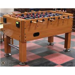 HARVARD FOOSEBALL TABLE COMPLETE WITH 5 SOCCER