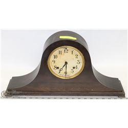VINTAGE NEW HAVEN CLOCK CO. MANTLE CLOCK WITH 1923