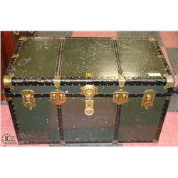 "STEAMER TRUNK 36""X20""X21"""