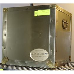 VALISE UNION EVERLITE BRASS BOX, 12 X 12 X 12