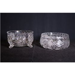 Crystal glassware for 2 pieces.